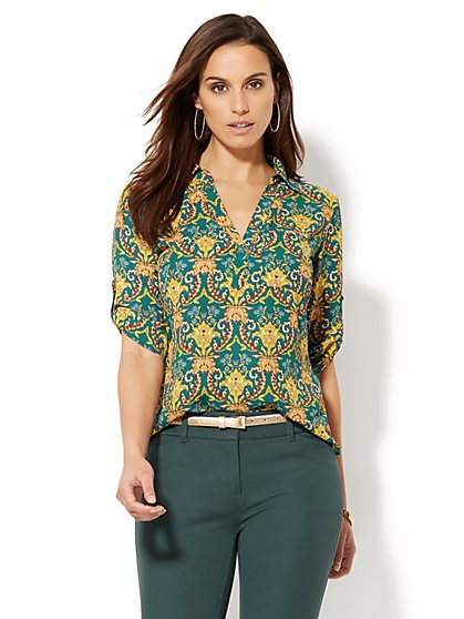Soho Soft Shirt - One-Pocket Popover - Medallion Print - New York & Company