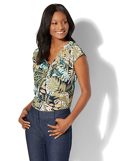 Soho Soft Shirt - One-Pocket Short Sleeve - Palm Leaf Print - New York & Company