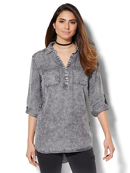 Soho Soft Shirt - Side-Button Hi-Lo Tunic - Grey Wash - New York & Company
