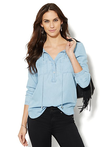 Soho Soft Shirt - Super-Soft Chambray Popover - Light Indigo  - New York & Company
