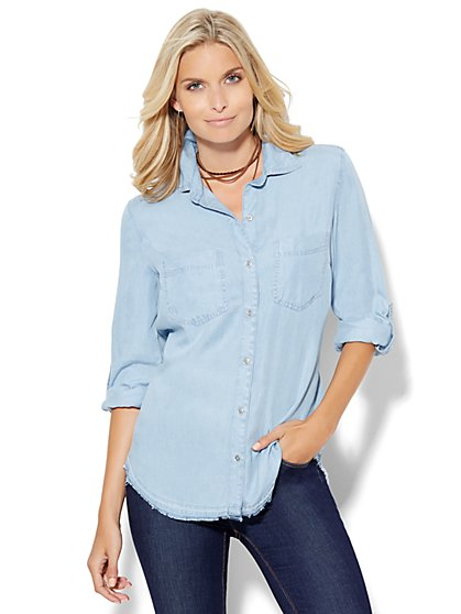 Soho Soft Shirt - Ultra-Soft Chambray - Released Hem - Light Indigo  - New York & Company