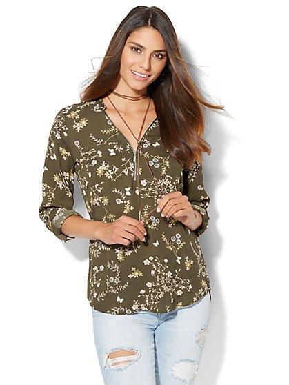 Soho Soft Shirt - Zip-Front - Botanical Print  - New York & Company