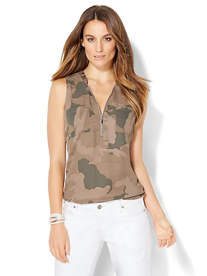 Soho Soft Shirt - Zip-Front - Camouflage Print  - New York & Company