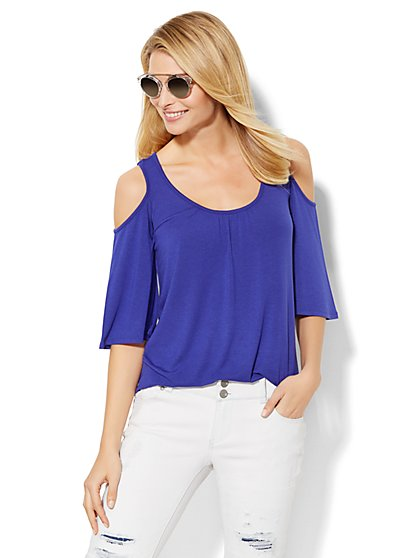 Soho Soft Tee - Cold Shoulder Top - Solid  - New York & Company