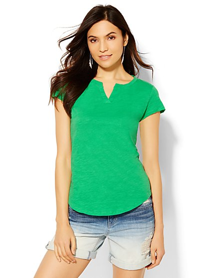 Soho Split-Neck Tee - Solid  - New York & Company