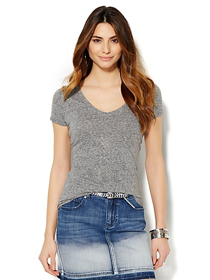 Soho V-Neck Tee - Heathered - New York & Company