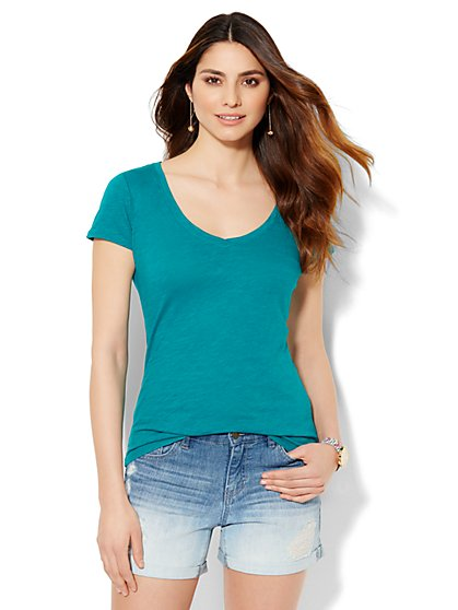Soho V-Neck Tee - Solid - New York & Company