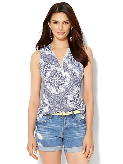 Soho Zip-Front Sleeveless Blouse - Bandana Print  - New York & Company