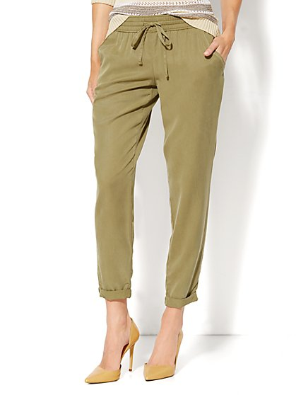 Solid Soft Jogger Pant  - New York & Company