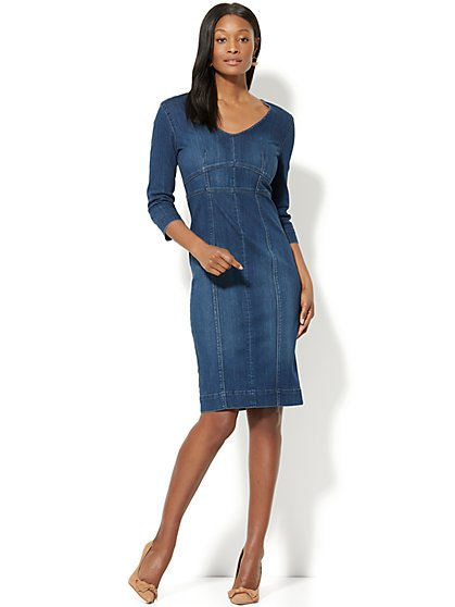 Stretchy Denim V-Neck Midi Sheath Dress - Rinse - New York & Company