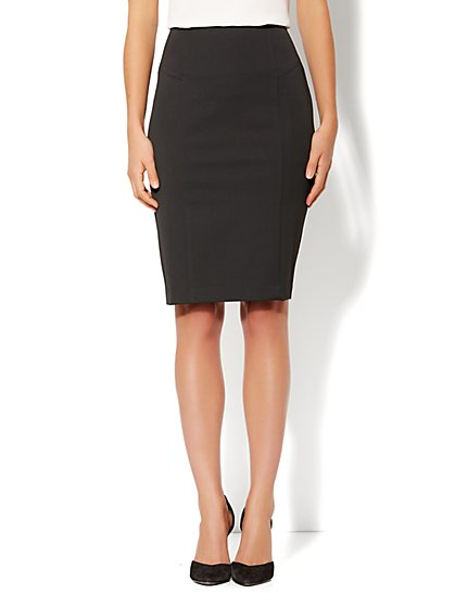 SuperStretch Seamed Pencil Skirt