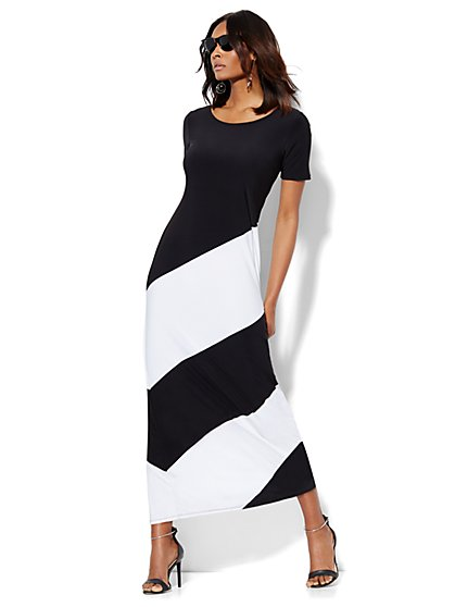 T-Shirt Maxi Dress - Black & White Colorblock  - New York & Company