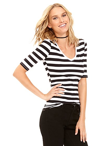 Tee Luxe - Shirred V-Neck Top - Stripe  - New York & Company