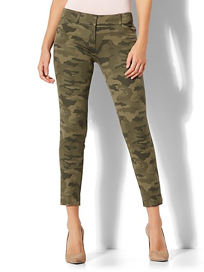 The Audrey Ankle Pant - Camouflage Print - New York & Company