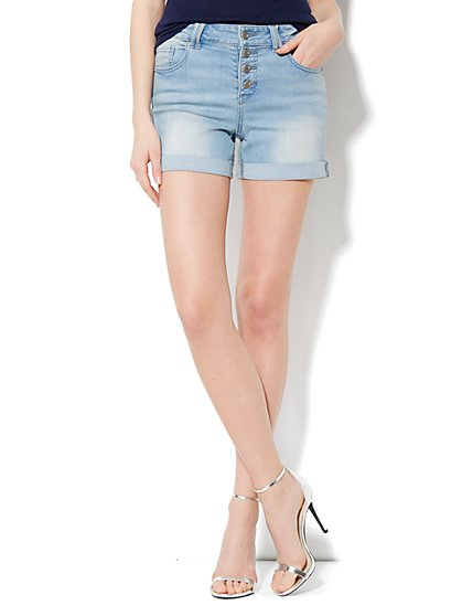 The Montauk High-Waist Short - Horizon Blue Wash  - New York & Company