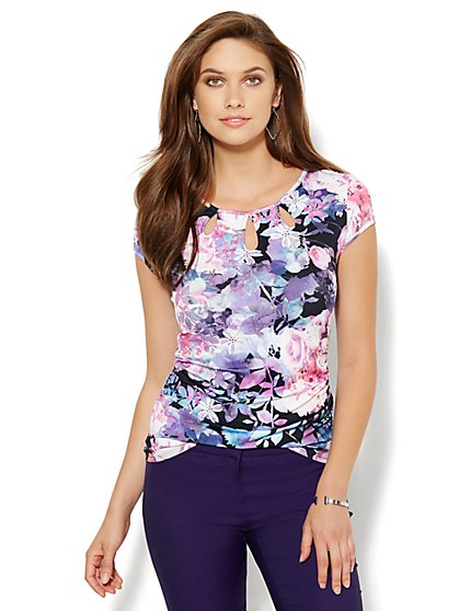 Triple Keyhole Knit Tee - Floral  - New York & Company