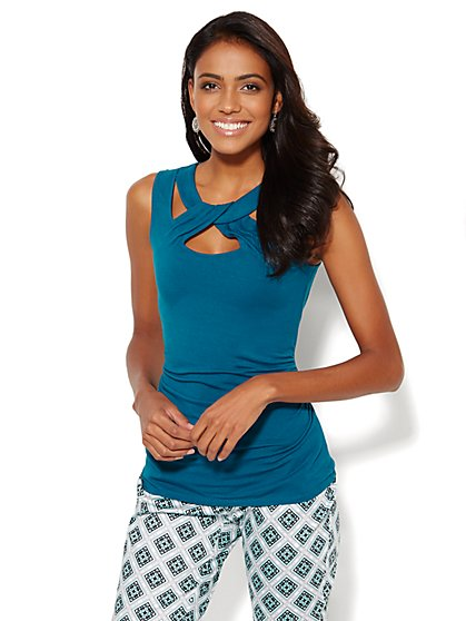 Twist-Front Cutout Top - New York & Company