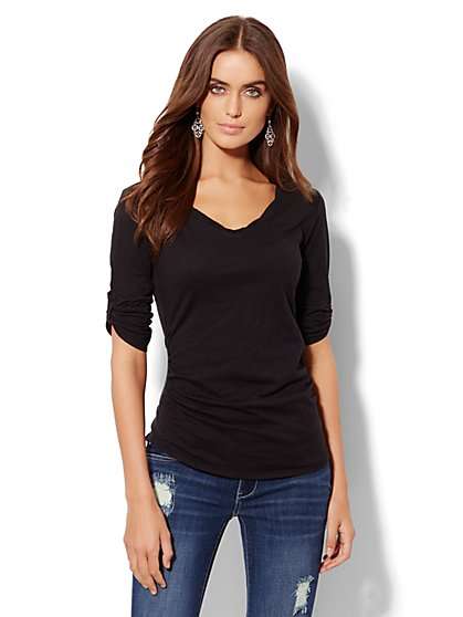 Twist V-Neck Top - Solid - New York & Company