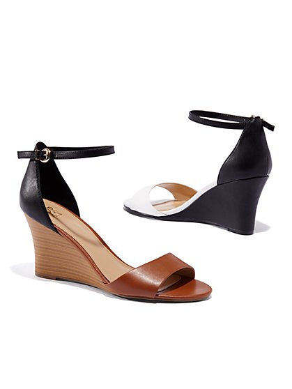 Two-Tone Wedge