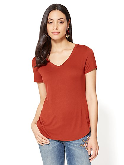 V-Neck Hi-Lo T-Shirt - New York & Company