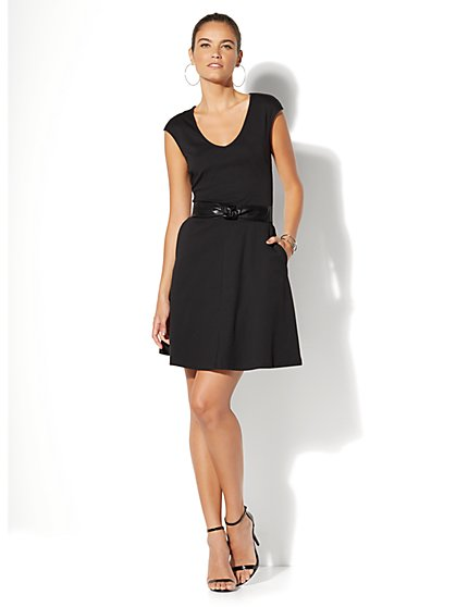 V-Neck Pocket Flare Dress - Petite - New York & Company
