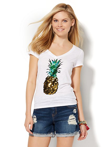 V-Neck Tee - Sequin Pineapple  - New York & Company