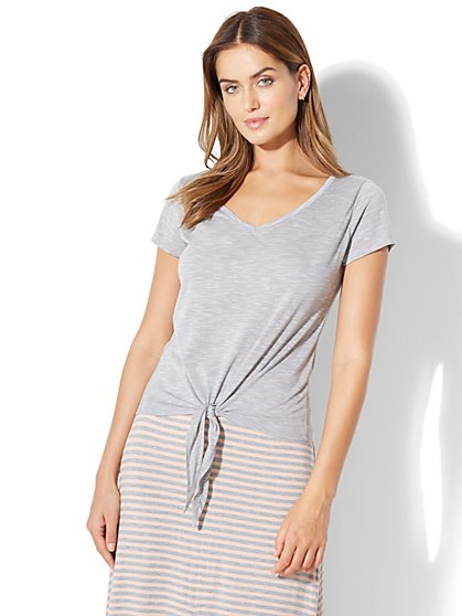 V-Neck Tie-Front Tee - Grey - New York & Company