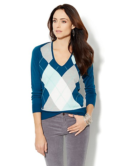 Waverly Argyle V-Neck Sweater  - New York & Company