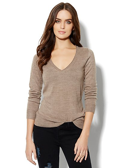 Waverly V-Neck Sweater - Solid Rollneck - New York & Company