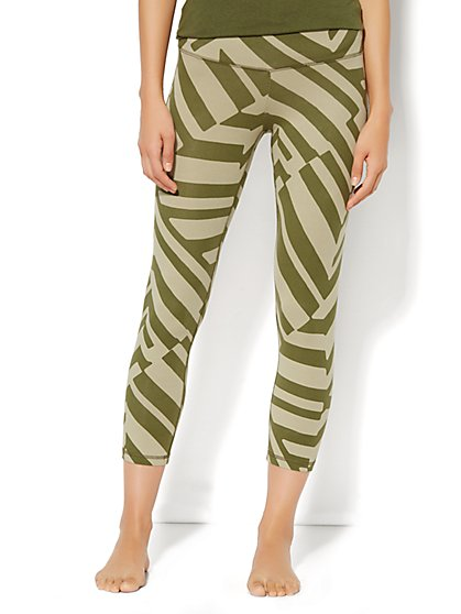 Yoga Crop Legging - Abstract Stripe  - New York & Company