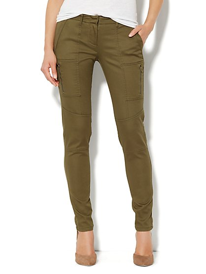 Zip-Cargo Sateen Legging - New York & Company