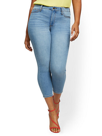 NY&Co Women's Abby High-Waisted Slimming Capri Jeans - Light Blue