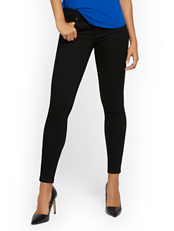 NY&Co Women's Abby Mid-Rise Slimming No Gap Super-Skinny Ankle Jeans - Black Pants