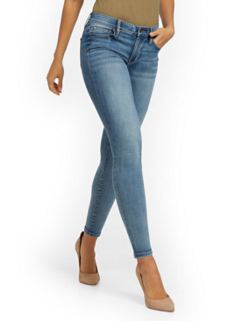NY&Co Women's Abby Mid-Rise Slimming No Gap Super-Skinny Ankle Jeans - Medium Blue Pants