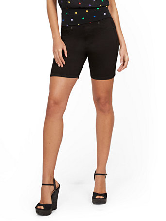 NY&Co Women's Feel-Good High-Waisted No Gap 7-Inch Short - Black