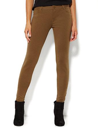 7c5b49be1aba9 NY&C: Five-Pocket Ponte Legging - Soho Jeans