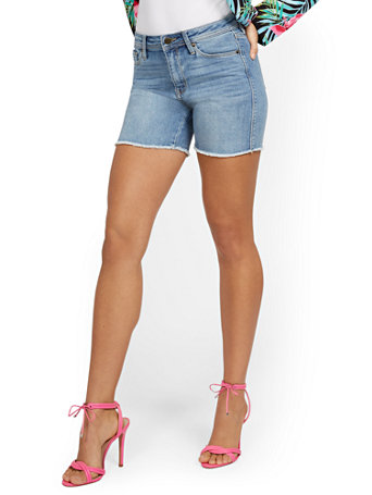 NY&Co Women's Lexi High-Waisted Destroyed 5-Inch Short - Blue Rock