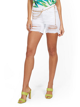 NY&Co Women's Lexi High-Waisted Destroyed 5-Inch Short - White
