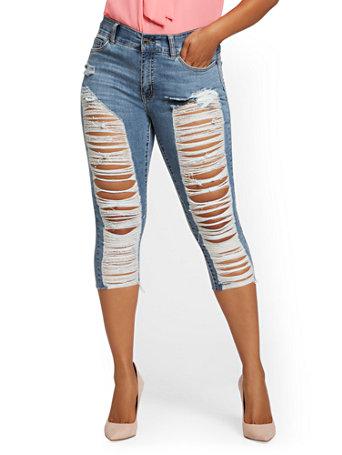 NY&Co Women's Mya Curvy High-Waisted Sculpting No Gap Super-Skinny Capri Jeans - Light Indigo