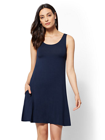 Scoop Neckline Casual Dresses