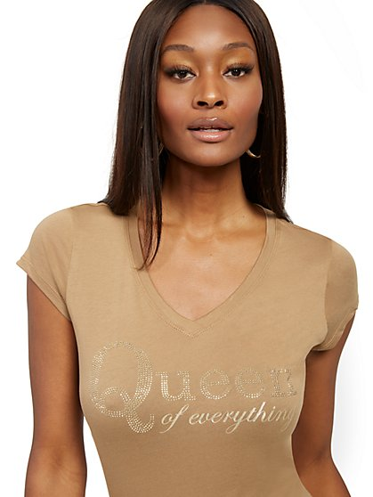 """Queen of Everything"" Graphic Tee - New York & Company"