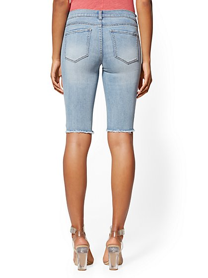 143abc94d6 ... 13 Inch Rip & Repair Short - Indigo - Soho Jeans - New York & Company