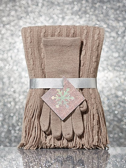 2-Piece Cable-Knit Scarf & Glove Gift Set - New York & Company