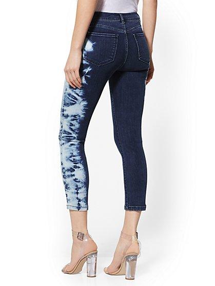 f84e4c6a5a7b26 ... 25 Inch Crop Legging - NY&C Runway - Ultimate Stretch - Soho Jeans -  New York