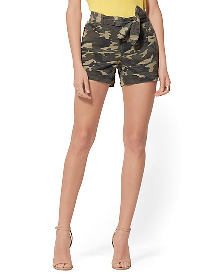 4 Inch Self-Tie High-Waisted Short - Camo - New York & Company