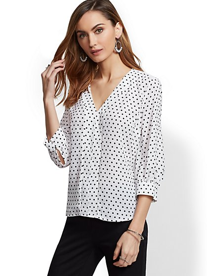 7th Avenue - White V-Neck Top - New York & Company