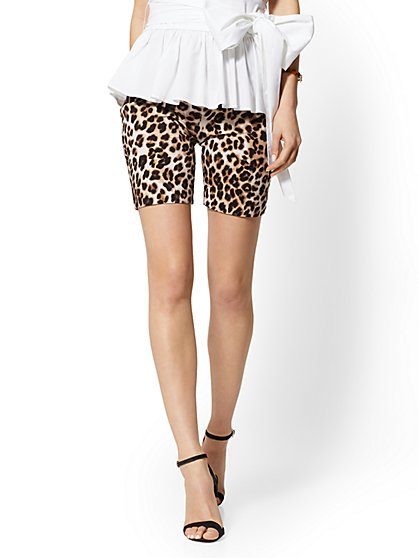 8 Inch Whitney Bermuda Short – Leopard High-Waist Pull-On - New York & Company