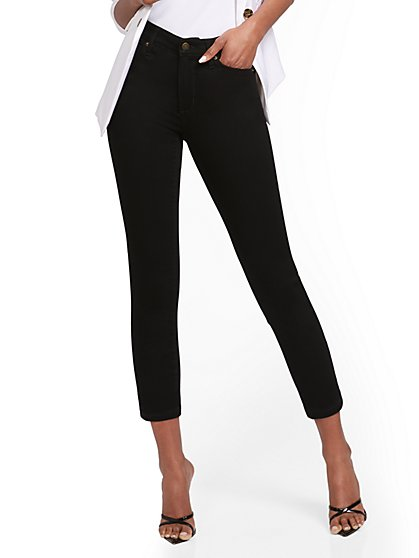 Abby High-Waisted Slimming Capri Jeans - Black - New York & Company