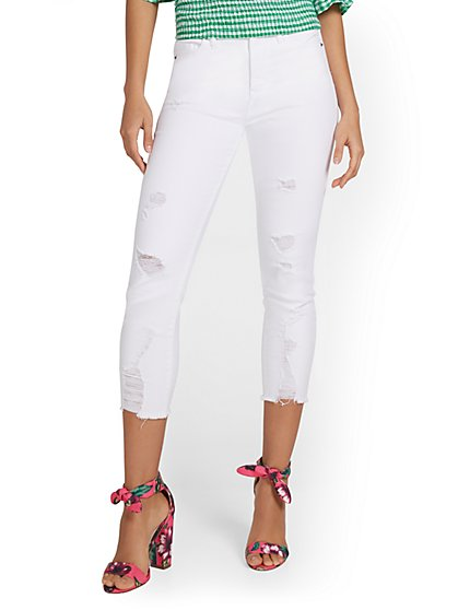 Abby High-Waisted Slimming Capri Jeans - White - New York & Company