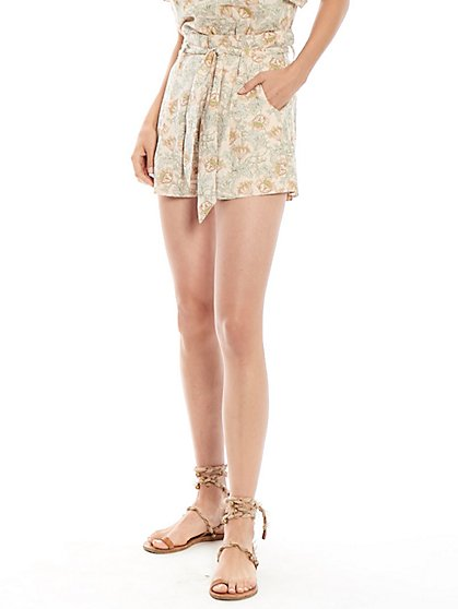 Adventure Short in Floral Scrolls Print - New York & Company